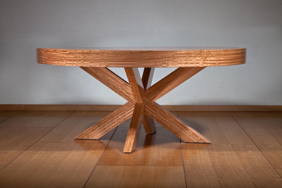 סהר - שולחן עגול נפתח