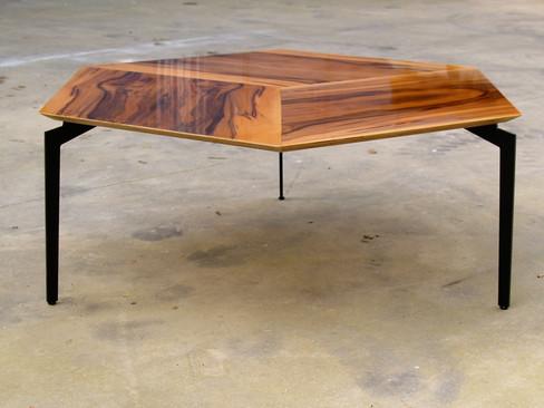 שולחן סלון קוביה דו מימדית