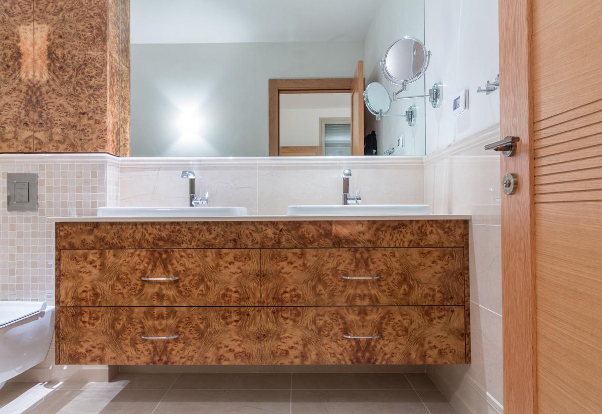 ארון כיור אמבטיה הורים