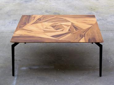 שולחן סלון-ורד גיאומטרי