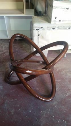 רגל עץ מהממת לשולחן עגול