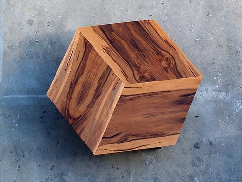 שולחנות סלון | שולחן מעוצב לסלון | שח רהיטים