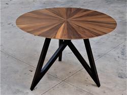 שמש - שולחן סלו ןעגול מעוצב בפורניר עץ טבעי