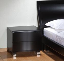 חדר שינה מעוצב מודרני שחור
