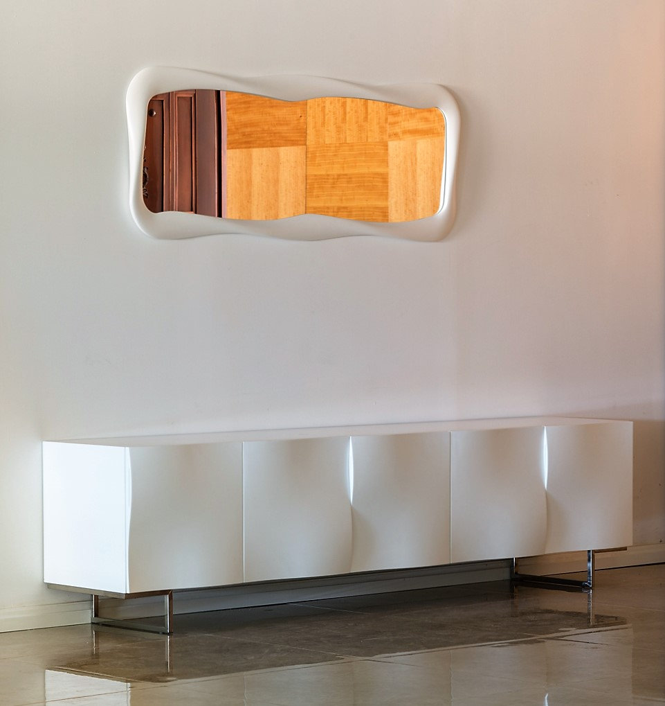 מזנון לבן תלוי - מזנון תלוי לסלון