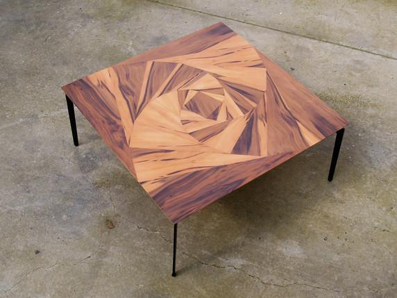 שולחן קפה -ורד גיאומטרי.jpg