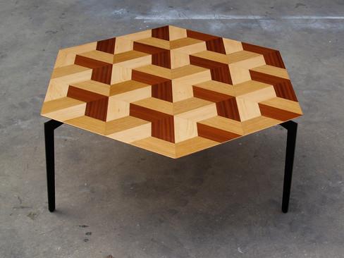 פיצוחים - שולחן סלון משושה