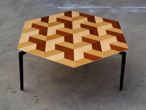 שולחן סלון משושה פיצוחים