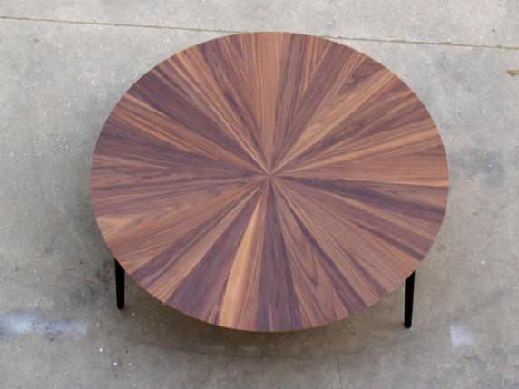 שולחן קפה עגול אגוז אמריקאי