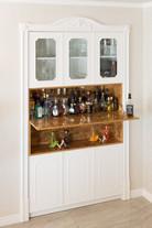 ארון בר ומשקאות בסגנון קלאסי