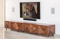 מזנון טלויזיה בסלון