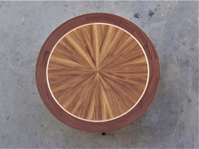 שולחן עגול.jpg