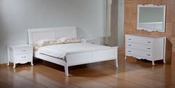 חדר שינה לבן מעוצב קלאסי