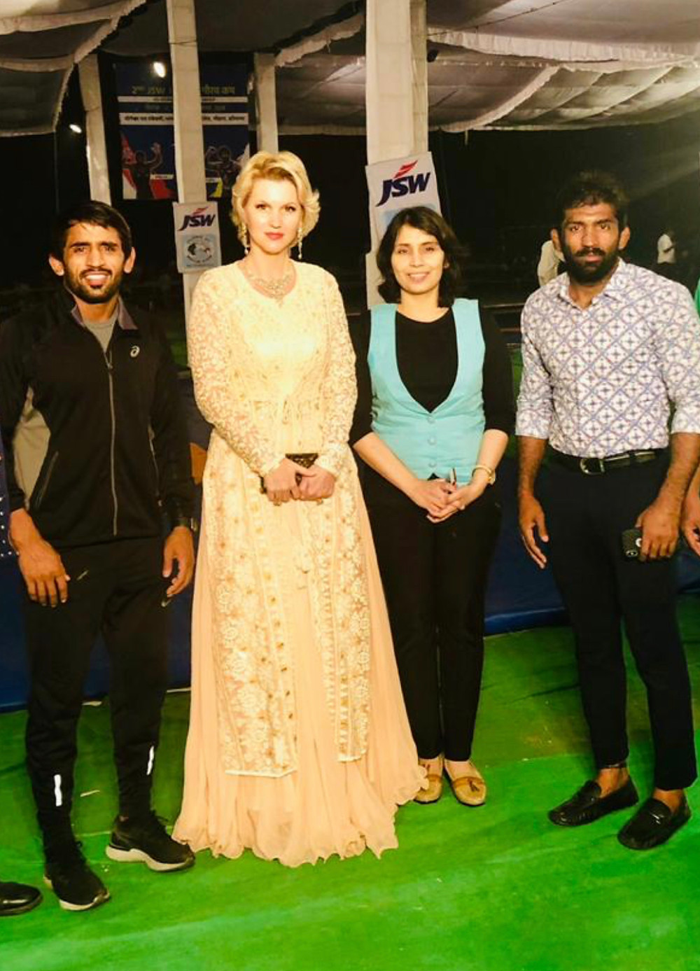 Anca Verma with Yogeshwar Dutt,Bajrang Punia and others at Yogeshwar Dutt Wrestling Academy