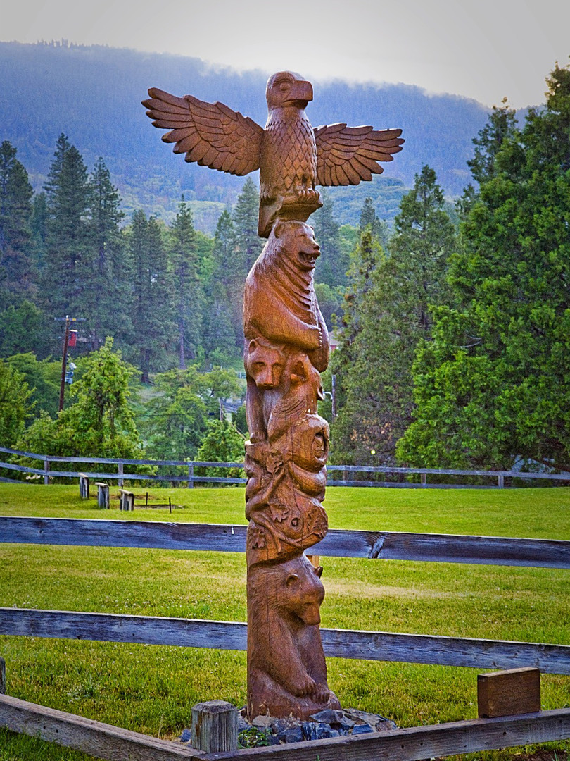 Totem Pole in Camp Nelson
