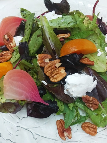 Farmer's Market Beet & Goat Cheese Salad