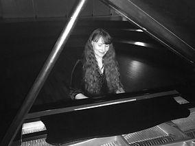 Julie Hanney - 2nd picture.JPG