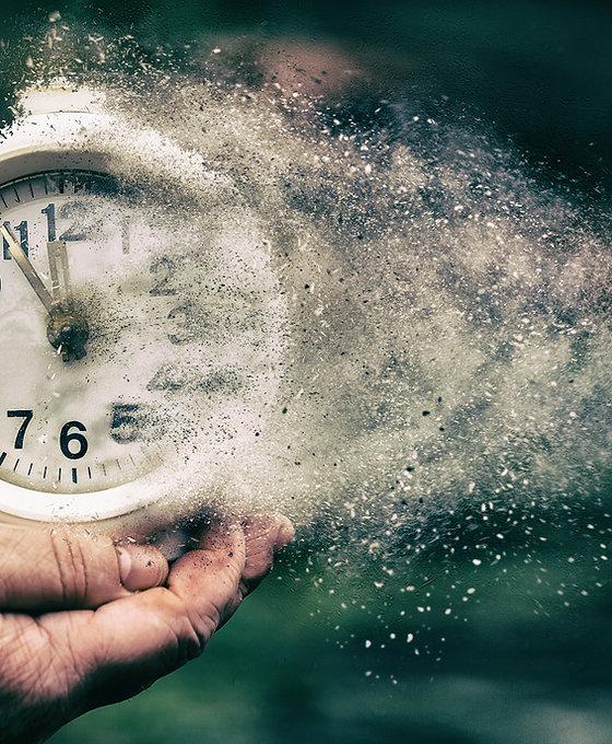 Retro alarm clock or vintage alarm clock