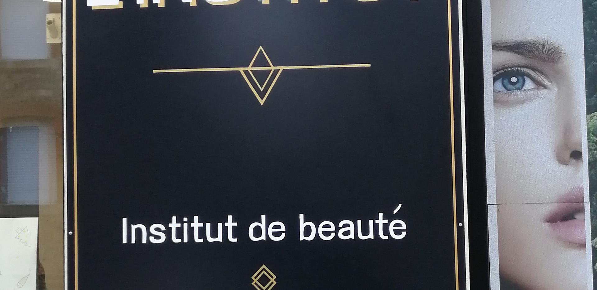 L'institut - enseigne et lettres peintes à la main - Adelles.jpg