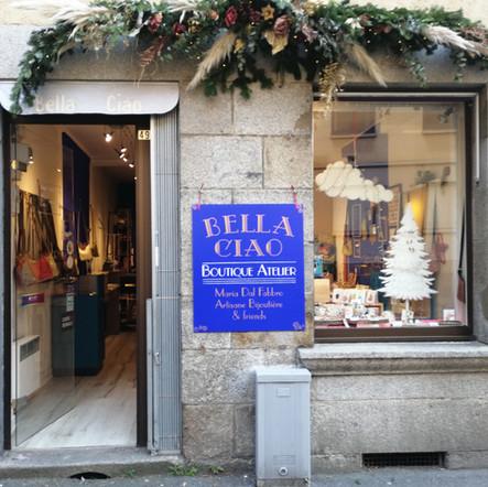 bella ciao - enseigne peinte à la main Adelles.jpg