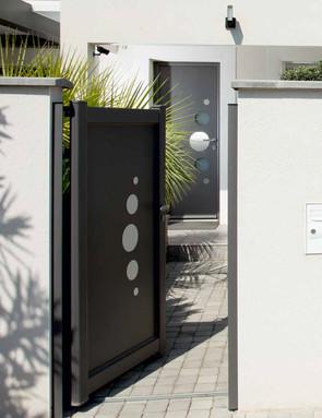 portatil et porte moderne.jpg