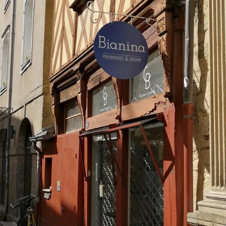 Bianina  - enseigne peinte à la main Adelles.jpg