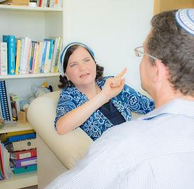 טיפול בטראומה, ביתה פרלמן