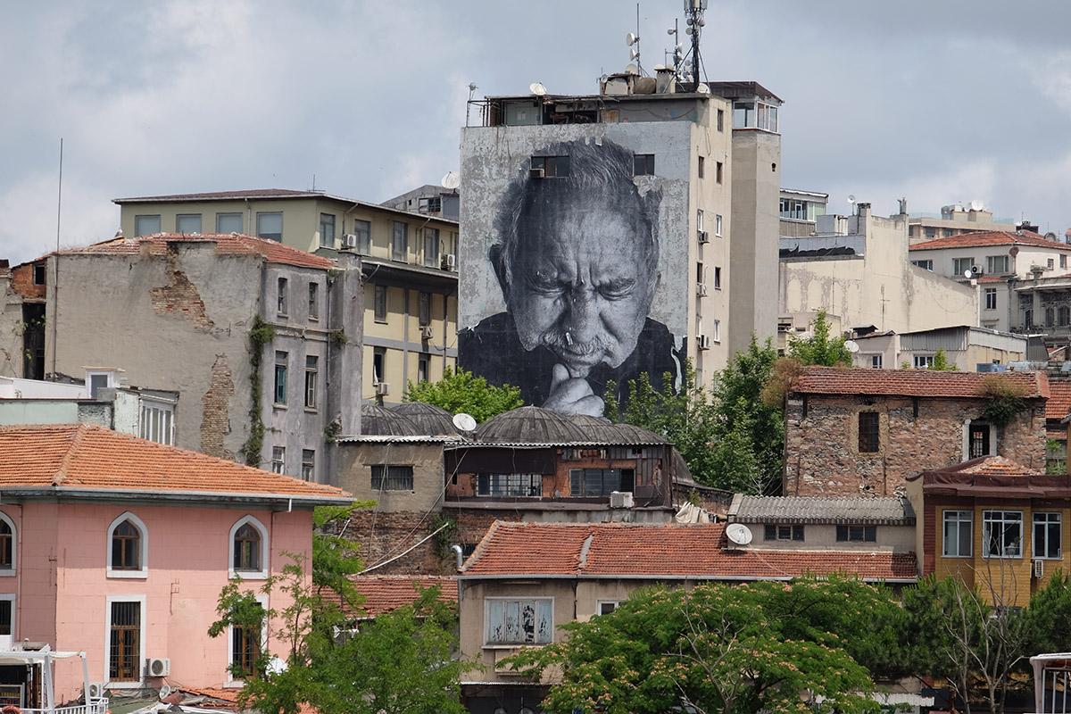 Graffiti made by JR. Karaköy