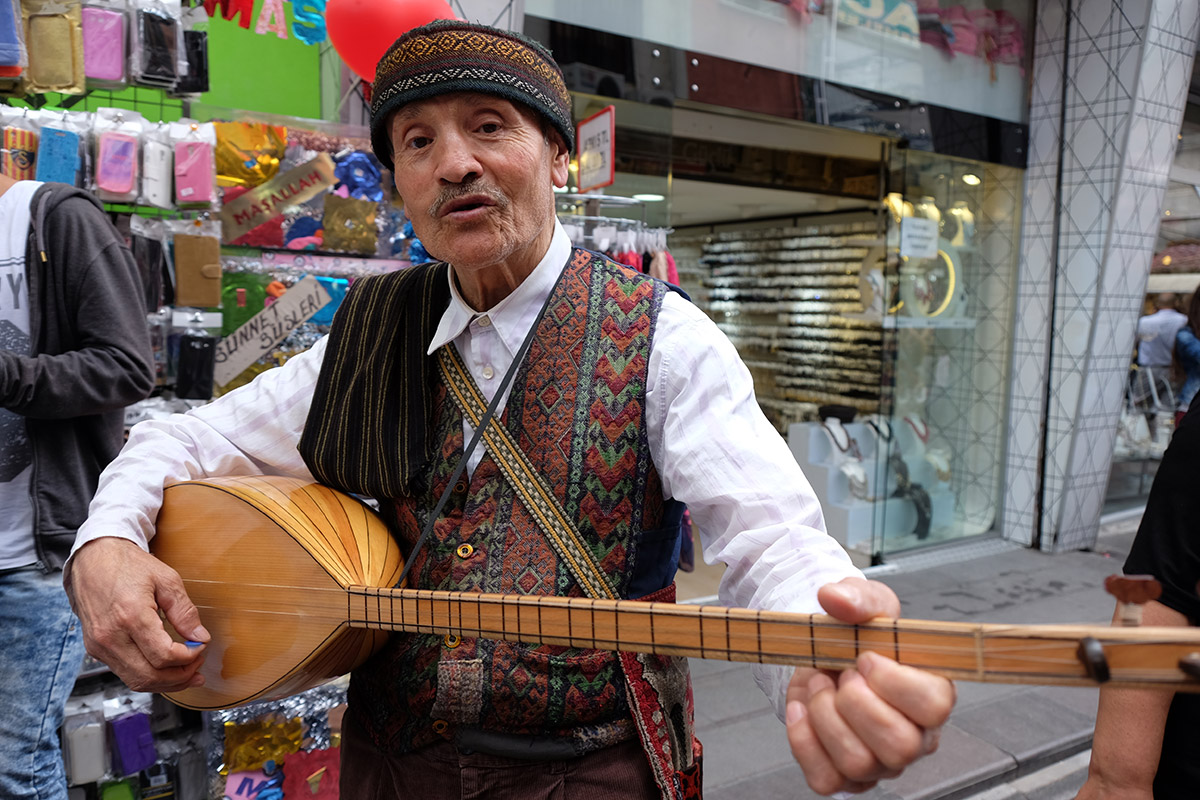 Musician in Eminönü