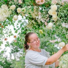 Rebecca Desgning arch flowers