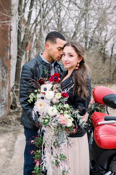 Winter wedding. Boho motorcyle_