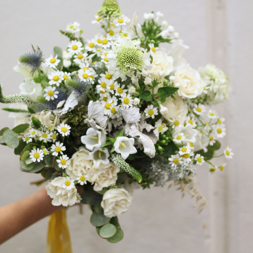 green and white country wedding flowers