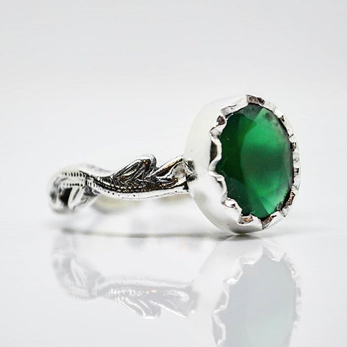 Green Agate Vintage Solitaire Ring