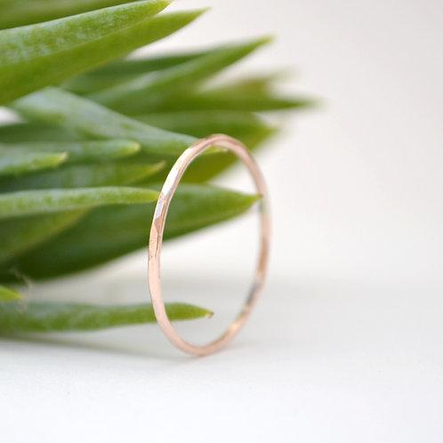 9ct Golden Thread Ring