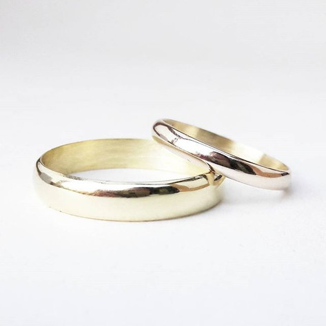 his and hers gold wedding bands