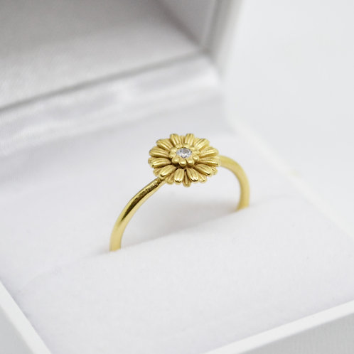 18ct Gold Vermeil Daisy Ring