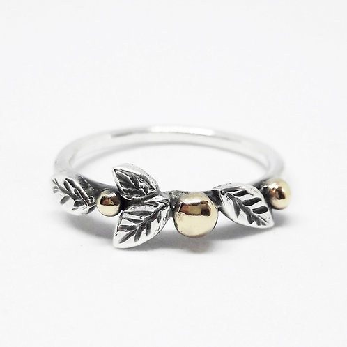 Berries & Leaf Ring (9ct)