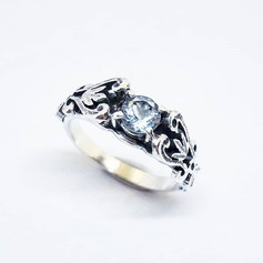 Aquamarine and Sterlign Silver Vintage Ring