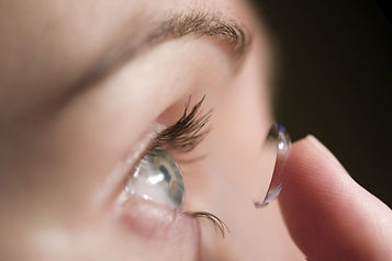 contact-lens-fit.jpg