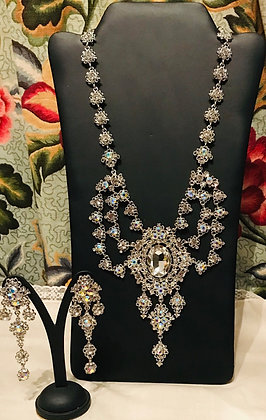 Fancy Oval Shape Necklace and Earring Set