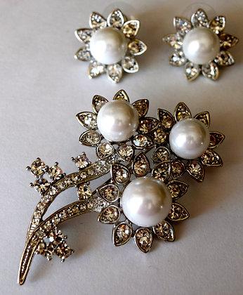 Flower Brooch Pin with Pierced Earrings Set