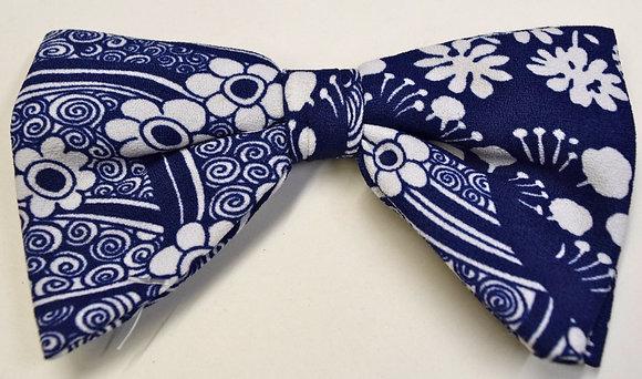 Vintage Wide Clip Bow Tie Blue & White