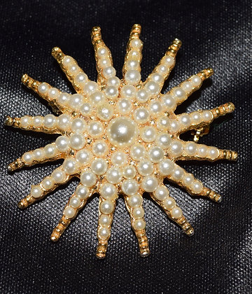 Victorian Style Costume Star Burst Brooch pin