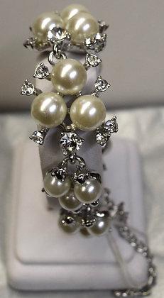 Costume Pearl and Rhinestones Bracelet Silver