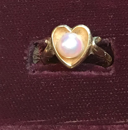 14k Yellow Gold Heart Shape with Pearl Ring
