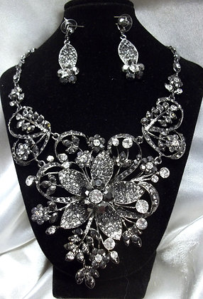 Flower Necklace Set Black