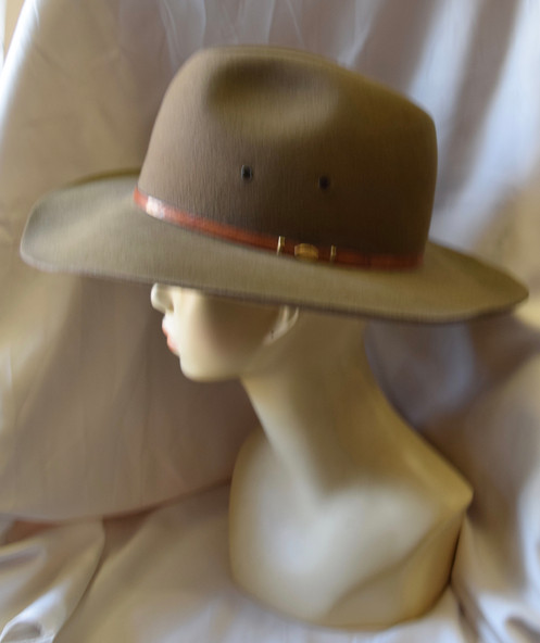 3707058ce81f87 This vintage London Club Stetson felt light green western style hat is  slightly used in good condition.