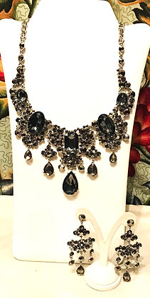Black Regal Design Necklace and Earrings Set