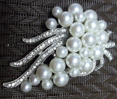 Costume Silver Floral with Pearl Brooch Pin