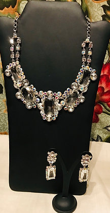 Fancy Rectangular Shape Design Rhinestone & Glass Necklace Set
